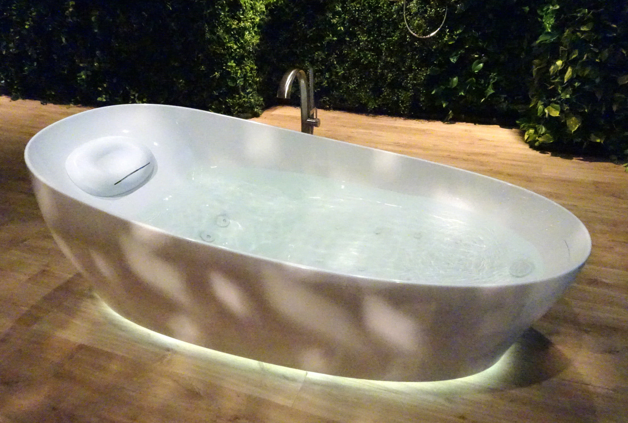 Toto Introduces its New Flotation Tub, the Ultimate in Bath-Time ...