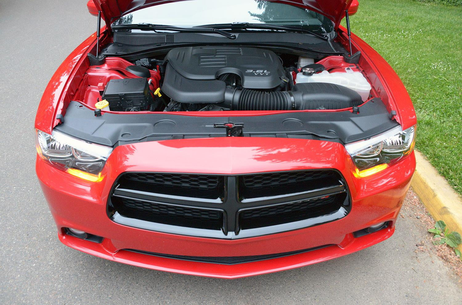 2013 dodge charger sxt review digital trends. Black Bedroom Furniture Sets. Home Design Ideas