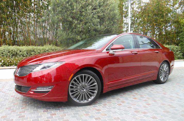 First Drive Lincoln S 2017 Mkz Hybrid Makes Going Green Easy But Lacks Luxury Digital Trends