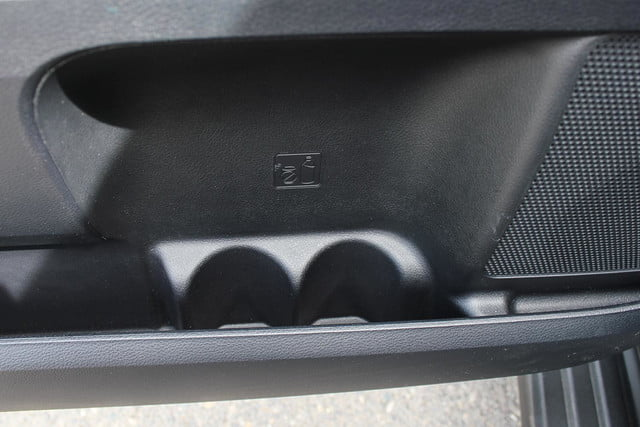 2014 toyota tundra review cup holder