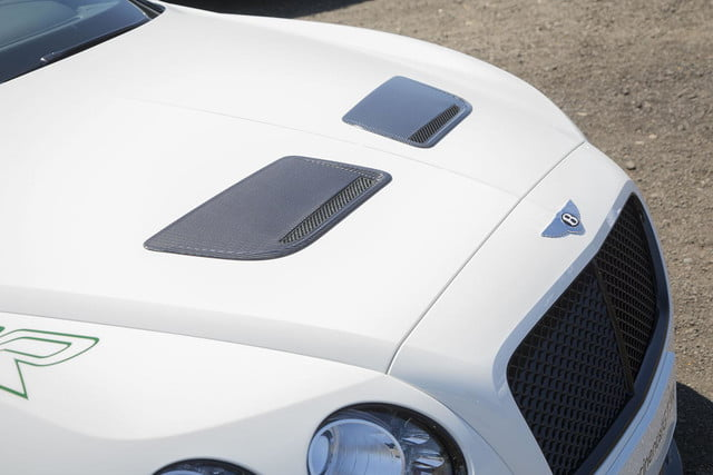 2015 Bentley Continental GT3-R front vents