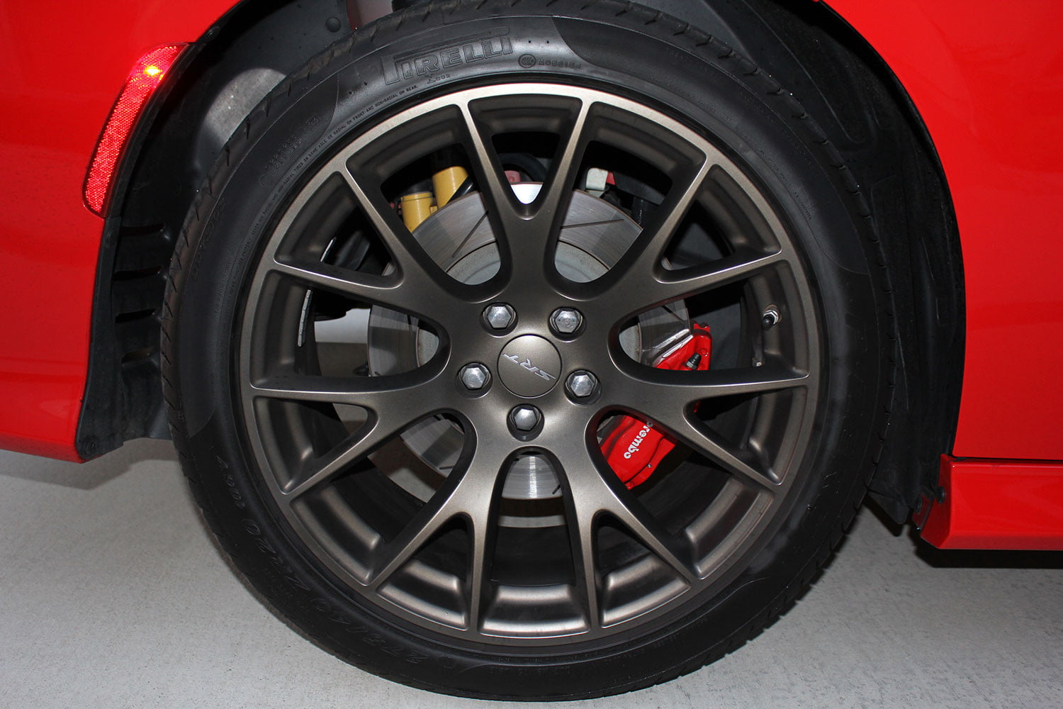 2015 Dodge Charger Srt Hellcat Tire Full