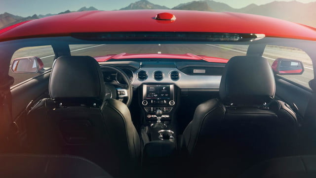 2015 ford mustang unveil cockpit