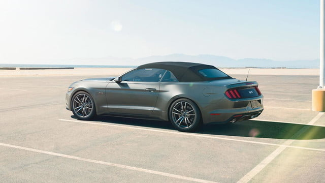 2015 Ford Mustang convertible top up