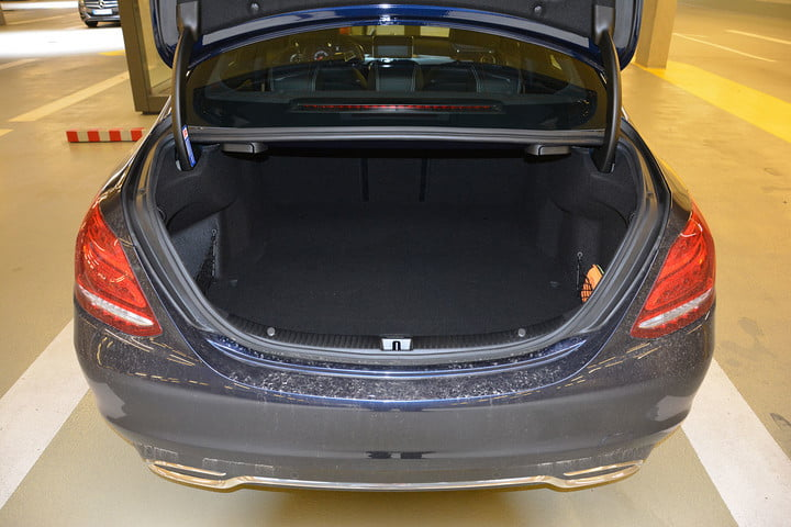 2015-mercedes-benz-c250d-trunk-720x720.j