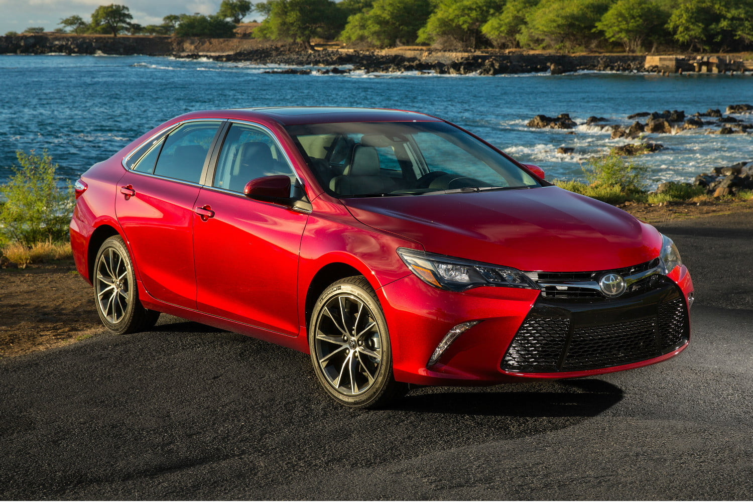 car overview camry review se hybrid and price toyota new