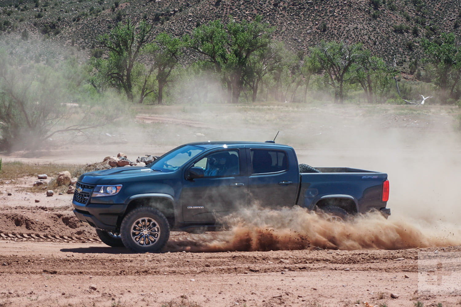 All Chevy chevy 1500 mpg : 2017 Chevrolet Colorado ZR2 offers off-road capability and street ...