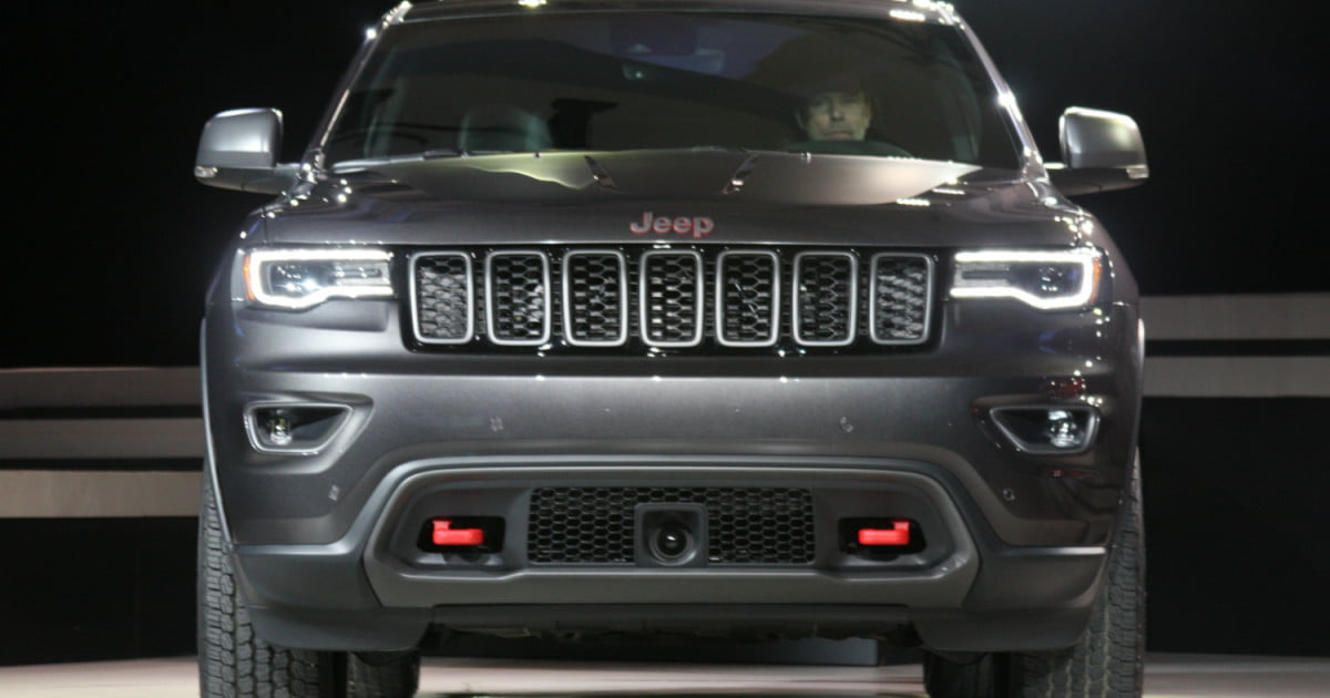2017 jeep grand cherokee trailhawk and summit revealed digital trends. Black Bedroom Furniture Sets. Home Design Ideas