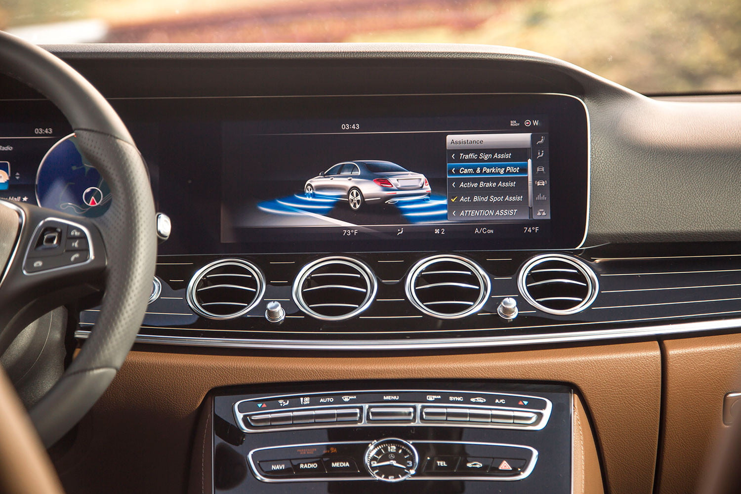 2017 mercedes benz e300 first drive digital trends. Black Bedroom Furniture Sets. Home Design Ideas