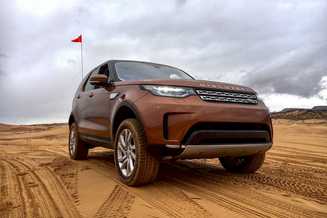2017 land rover discovery first drive landrover review 000121