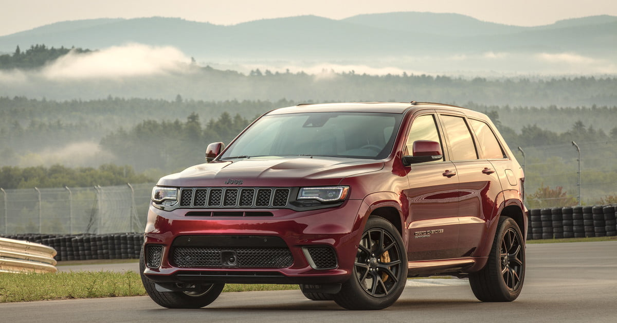 2018 jeep grand cherokee srt trackhawk first drive review digital trends. Black Bedroom Furniture Sets. Home Design Ideas