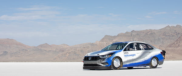 Volkswagen built a 210-mph Jetta, and broke a land-speed record with it