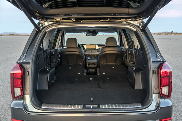 2020 hyundai palisade seats eight comes with useful tech 21