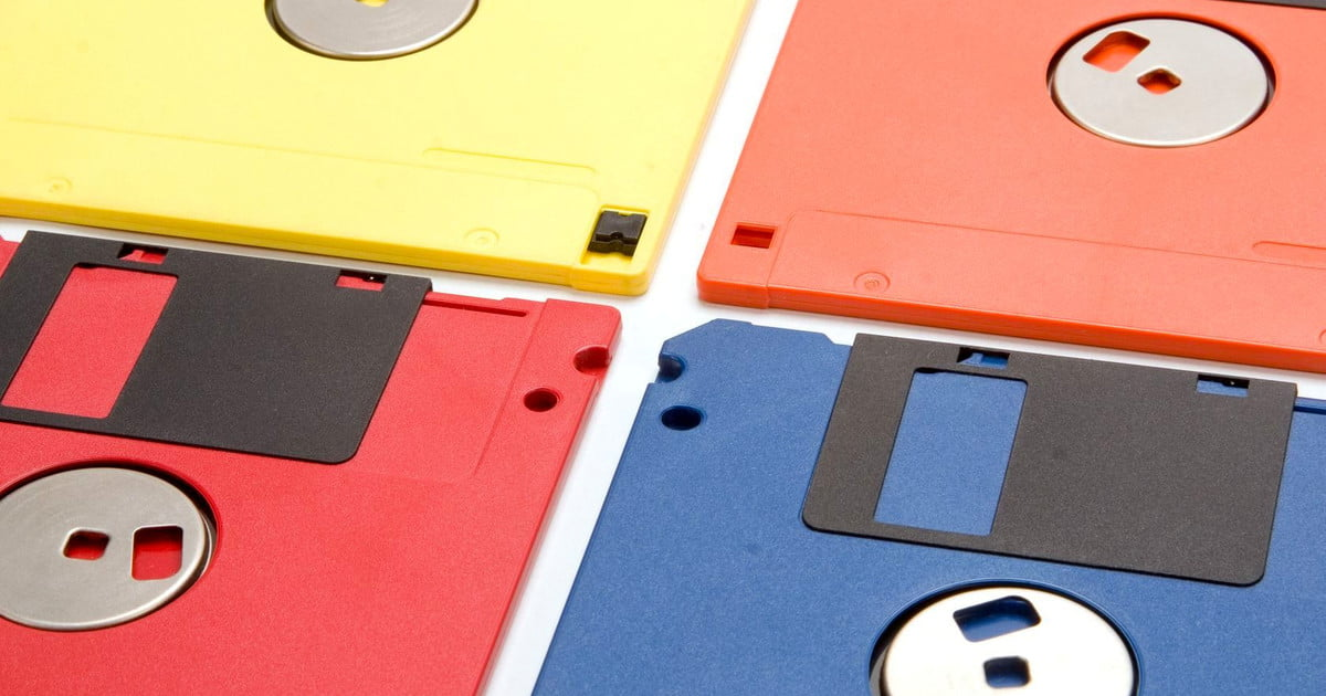 How Not To Dispose Of Old Floppy Disks Digital Trends