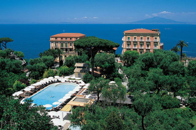 2016 oscars gift bags distinctive assets 3 night stay at the grand hotel excelsior vittoria in sorrento  italy 5 000