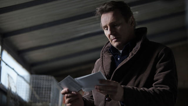 a walk among the tombstones review screenshot 4