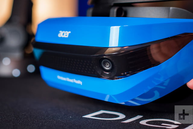Acer Windows Mixed Reality Headset review lens