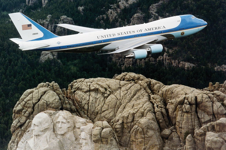 stratolaunch dwarves other aircraft air force one over mt