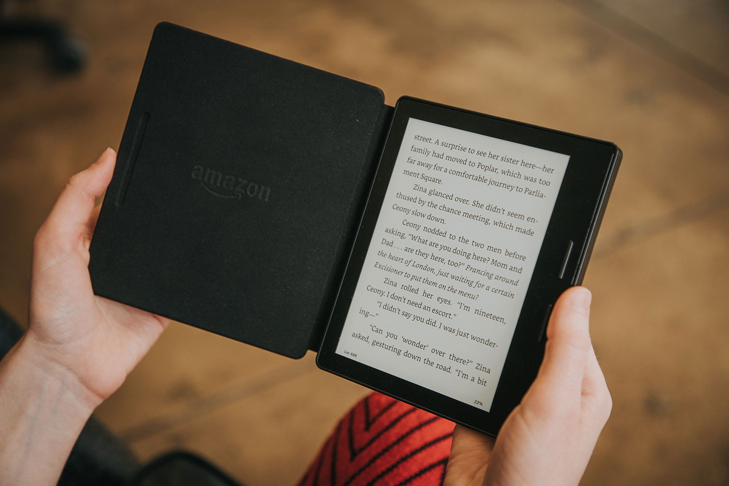 can i read kindle books on my iphone kindle oasis review digital trends 20645