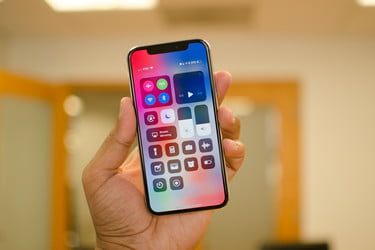 competitive price f46d3 ebdaf Samsung May Make Billions off of the iPhone X Display | Digital Trends