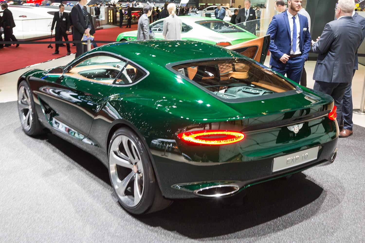 bentley exp 10 speed 6 concept | official specs and pictures