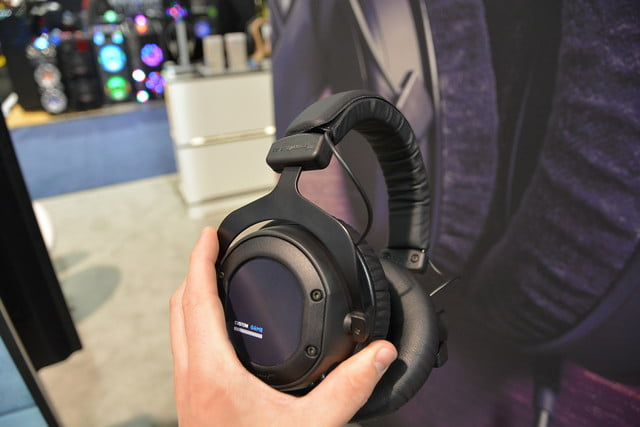 beyerdynamic custom game gaming headset ces 2017 03
