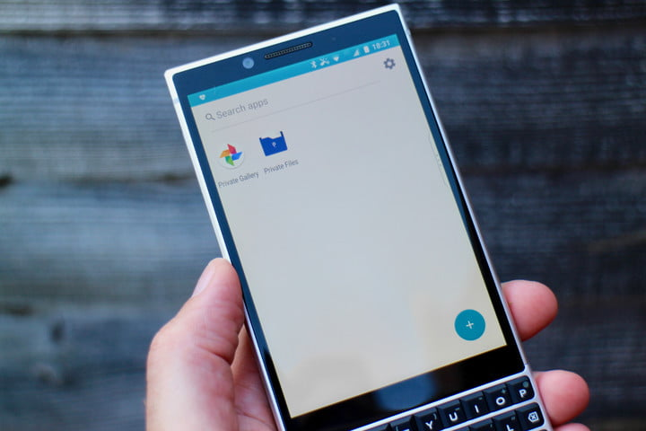 how to use blackberry locker files