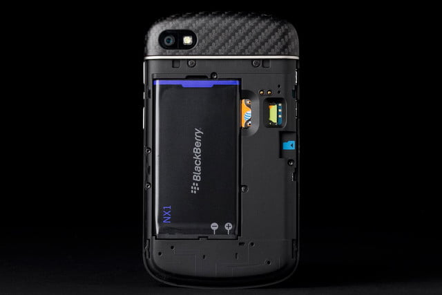 BlackBerry Q10 review back cover off