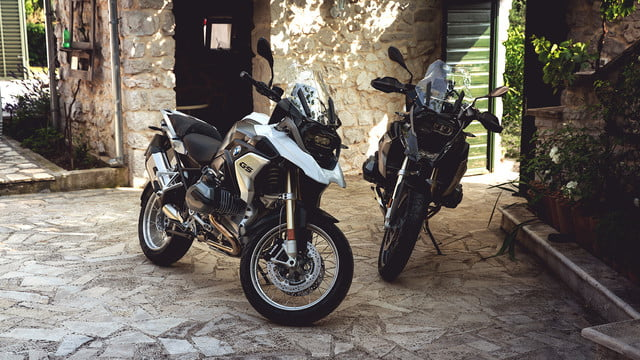 bmw bumps up the tech on its largest dual-sport motorcycle
