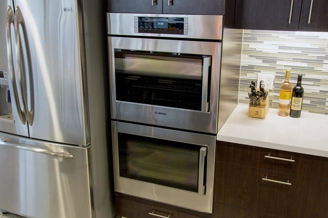 Bosch HBLP651LUC oven review wide overview