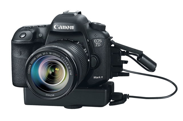 hands on review canon eos 7d mark ii plugged in press image