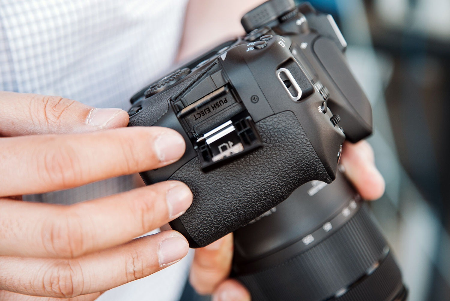 What Is a DSLR Camera? | Digital Trends