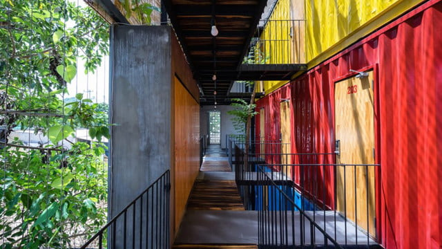 vietnamese shipping container hostel ccasa by tak architects 04
