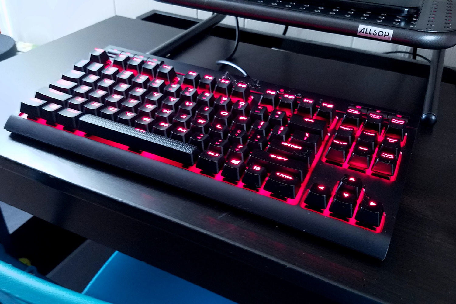 Corsair Tenkeyless K63 Review An Excellent Compact Mechanical Gaming Strafe Cherry Mx Red Led