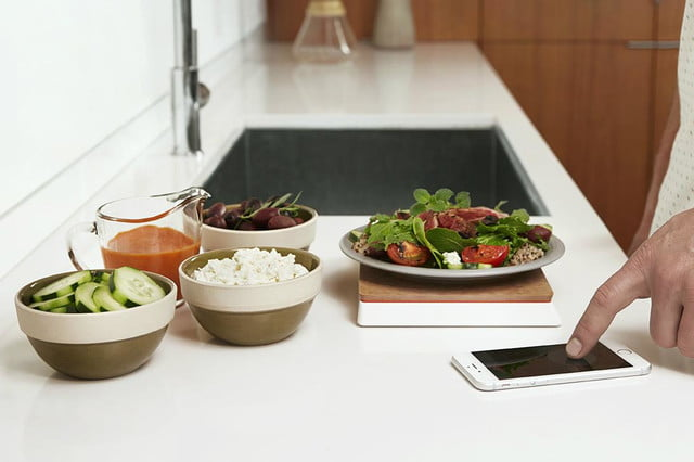 the countertop kitchen scale makes other appliances smart with food