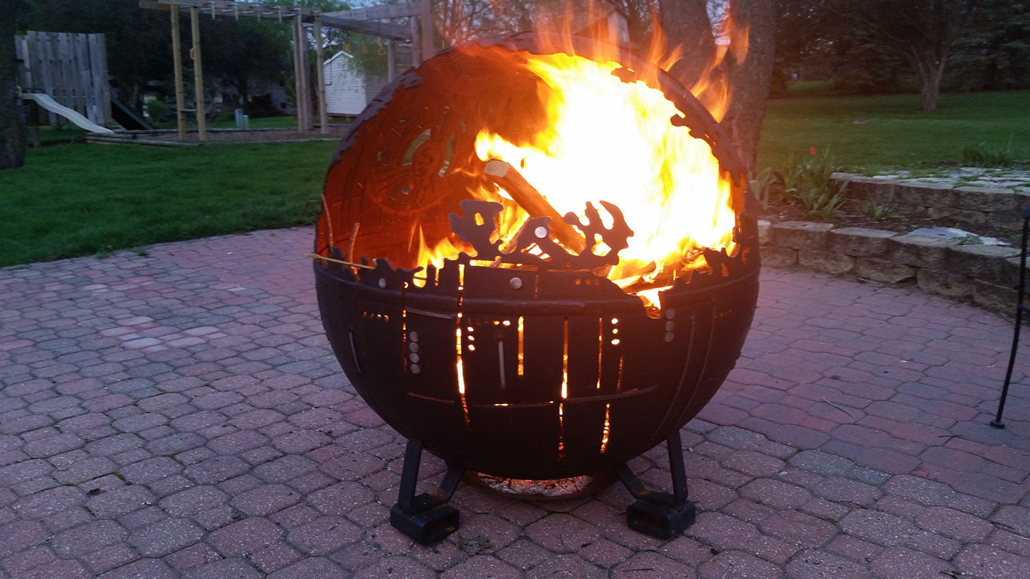 Amazing Star Wars Death Star Fire Pit Part - 10: Death-Star-fire-pit_LmqXuac