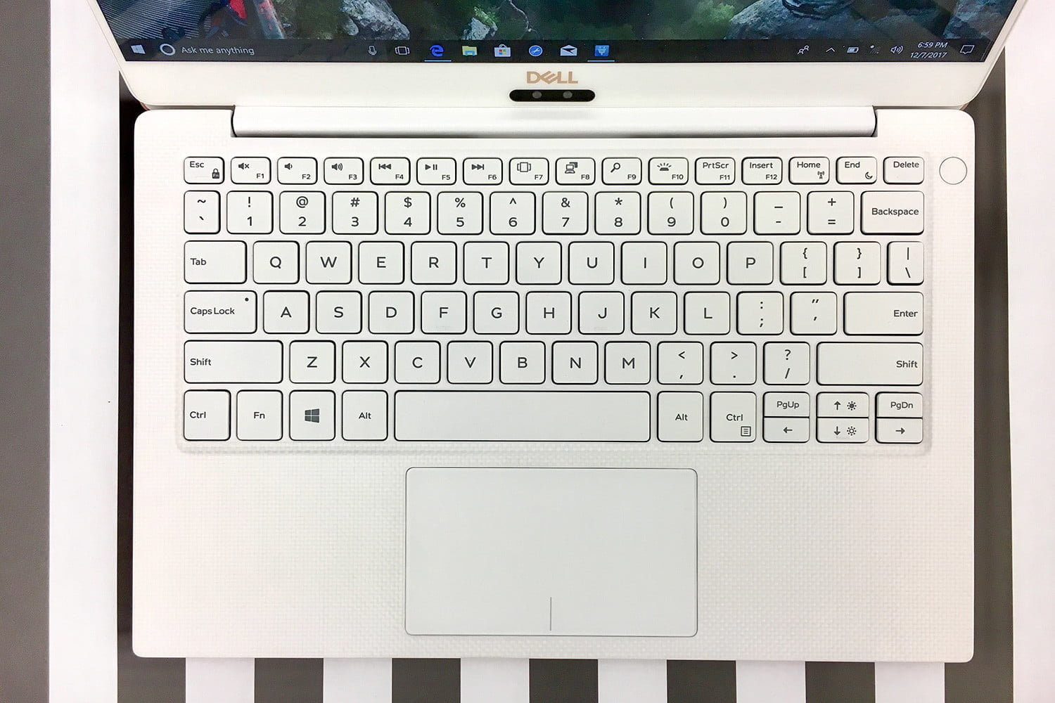 Dell XPS 13 stripe keyboard