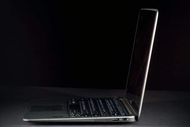 Dell XPS 13 Ultrabook right side