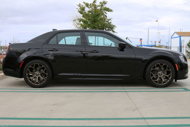 2016 Chrysler 300S Alloy Edition First Drive