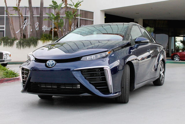 first drive 2015 toyota mirai 2016 front angle