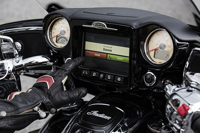 indian motorcycle ride command touchscreen 2017 imc infotainment roadmaster 10