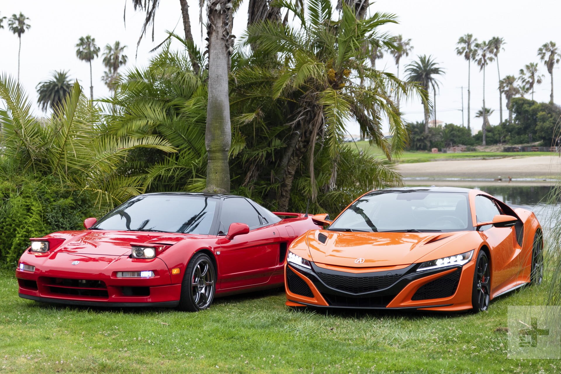 You're Wrong: The New Acura NSX is Just Like the Old NSX