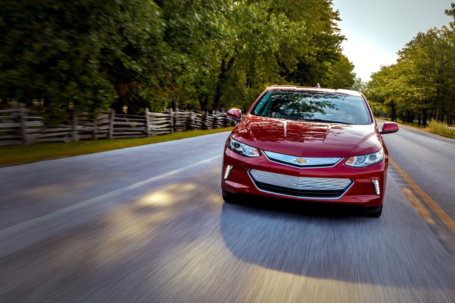 General Motors Cars >> Gm And Vw Ignore Hybrids To Focus On Electric Cars Digital