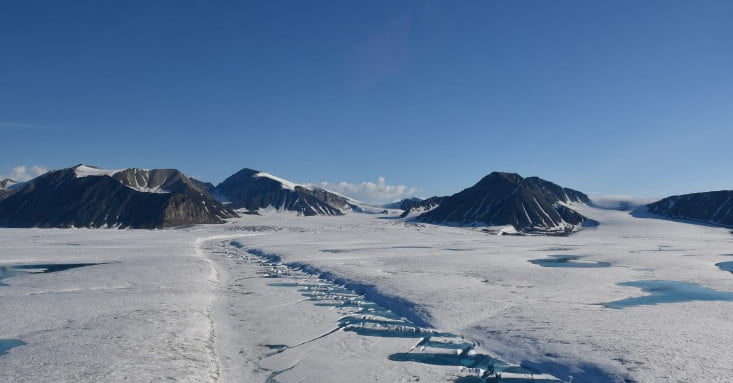 Canada's Milne Ice Shelf Collapses Into Ice Islands | Digital Trends