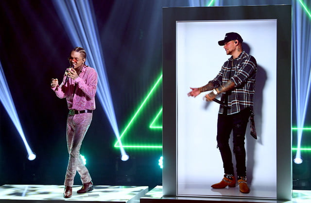 portl epic hologram machine 2020 iheartradio music festival  khalid swae lee feat kane brown embargoed