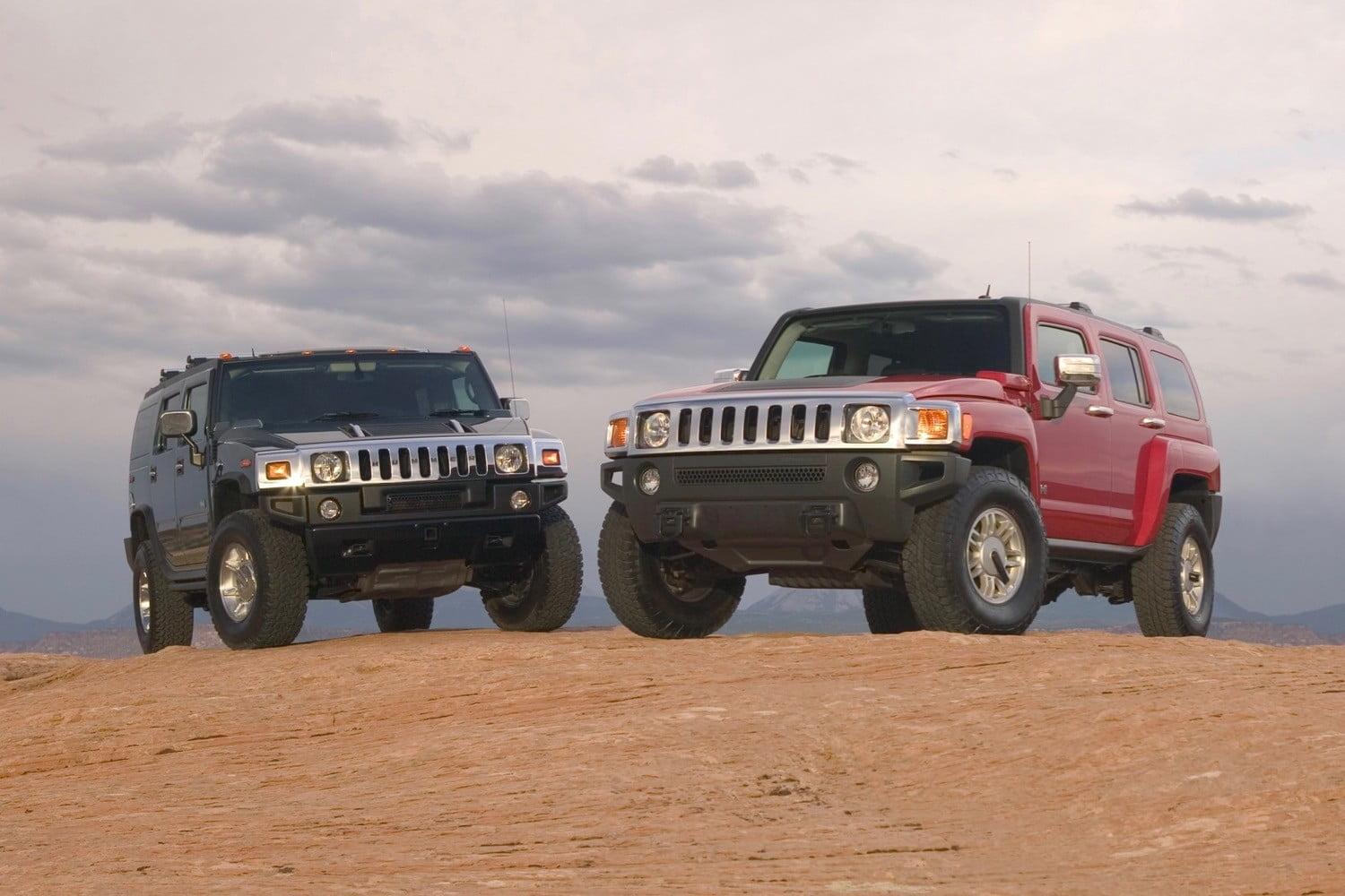 Hummer H2 and Hummer H3 SUVs