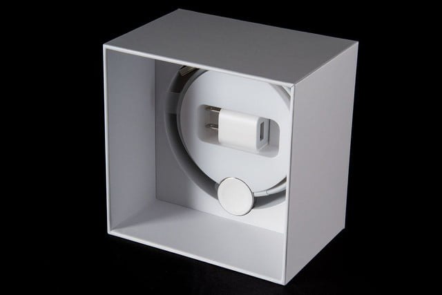Apple Watch box cable