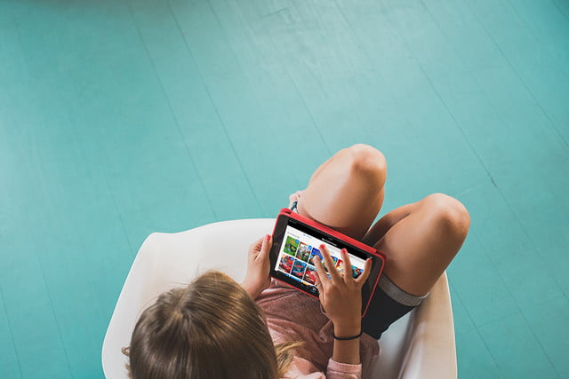 circle with disney girl in chair tablet