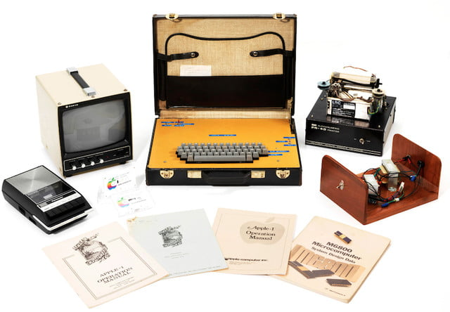 apple 1 housed in a leather briefcase auctions for 470000 first computer  2