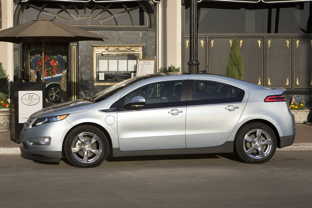 11 cars that will go extinct in 2016 first generation chevrolet volt  001